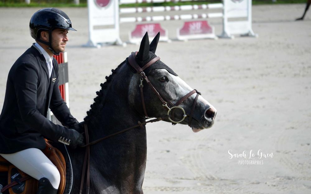 La jument Fénomène Divy et le cavalier professionnel Gwenole Le Guen